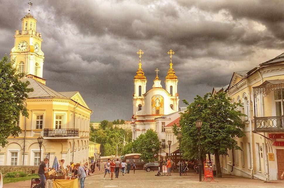 Вид на Ратушу и торговую церковь