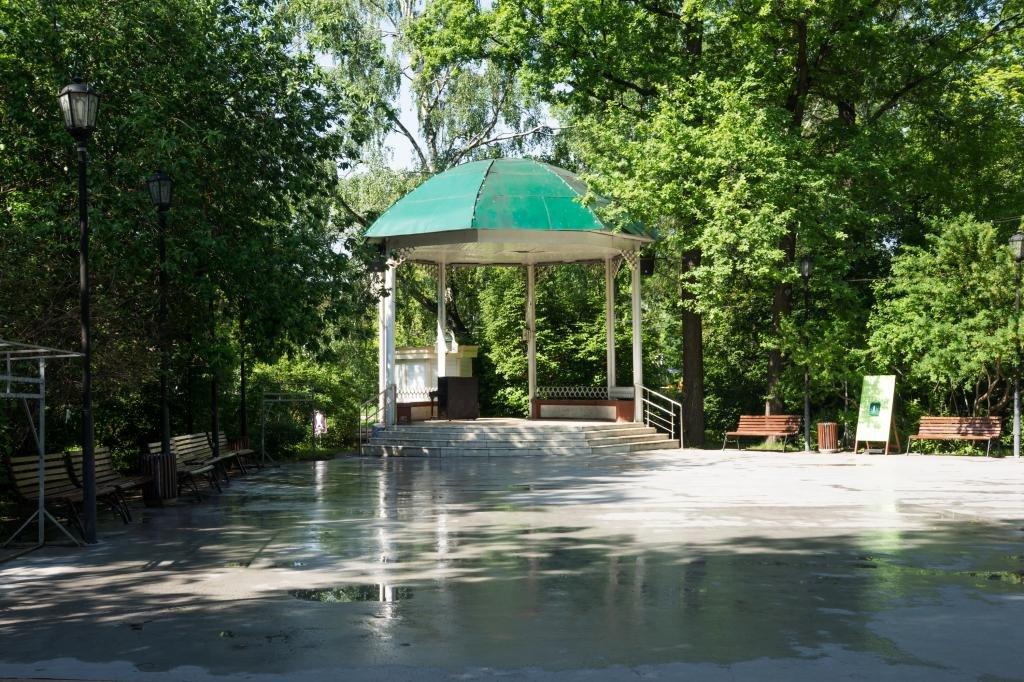 беседка в парке Сокольники