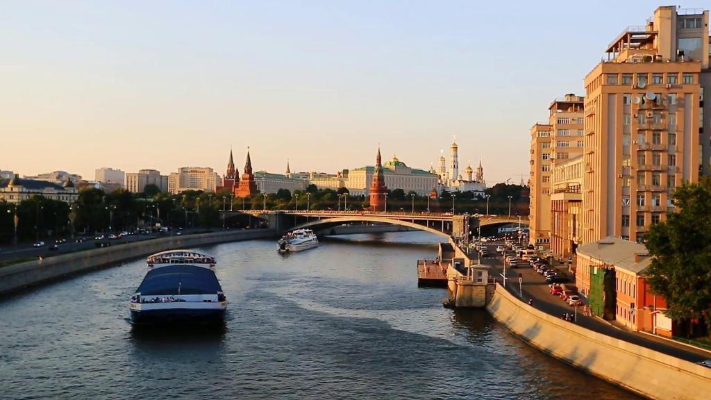 речная прогулка по Москве-реке