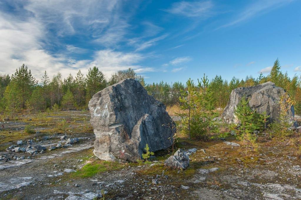 Камни в парке Рускеала