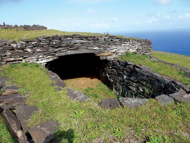 погребение на острове Пасхи