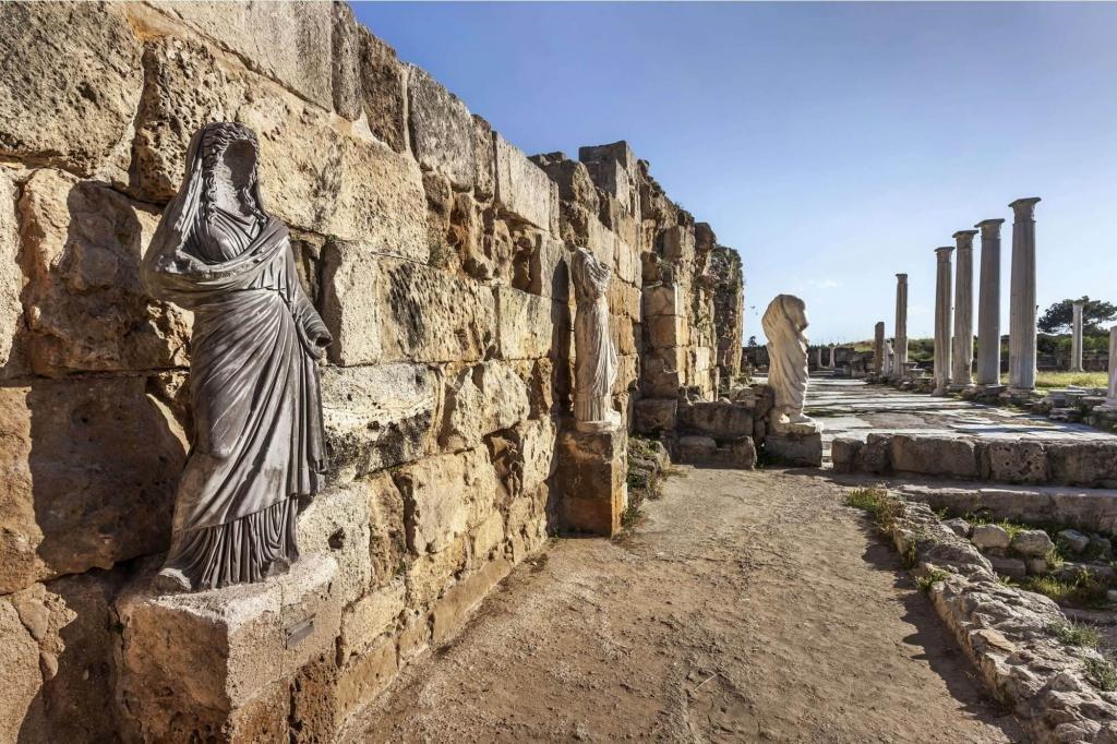 Руины и статуи Саламиса