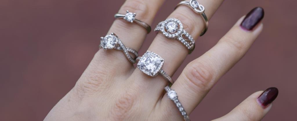 Изделия завода Coster Diamonds