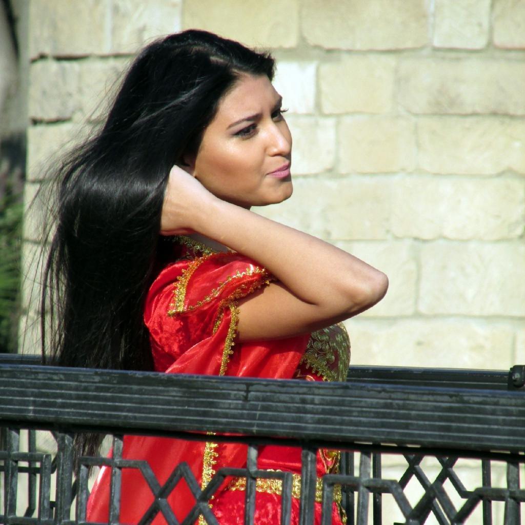 Типичная азербайджанка.