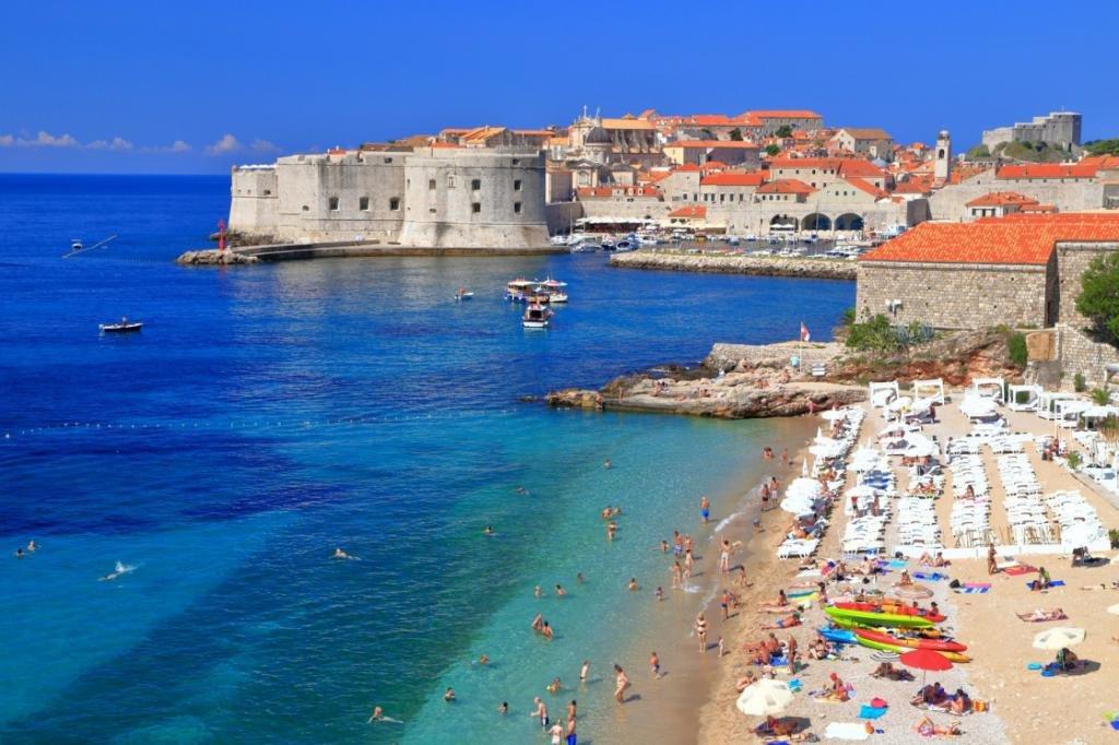 Где отдохнуть на море недорого за границей