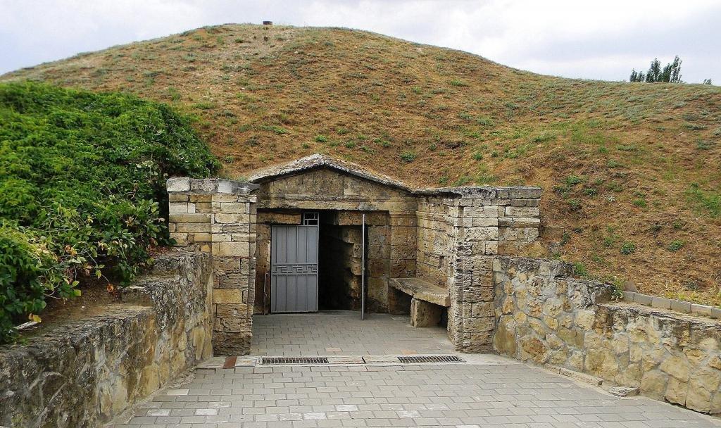 мелек-чесменский курган