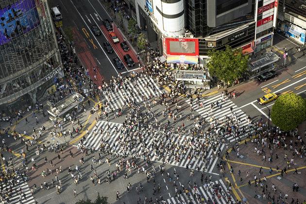Огромный токийский перекресток