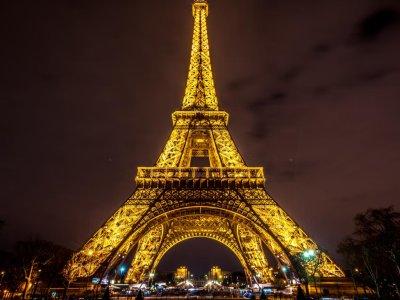Куда сходить в Париже: достопримечательности, Эйфелева башня, интересные экскурсии, необычные факты, события, описание, фото, отзывы и советы туристов