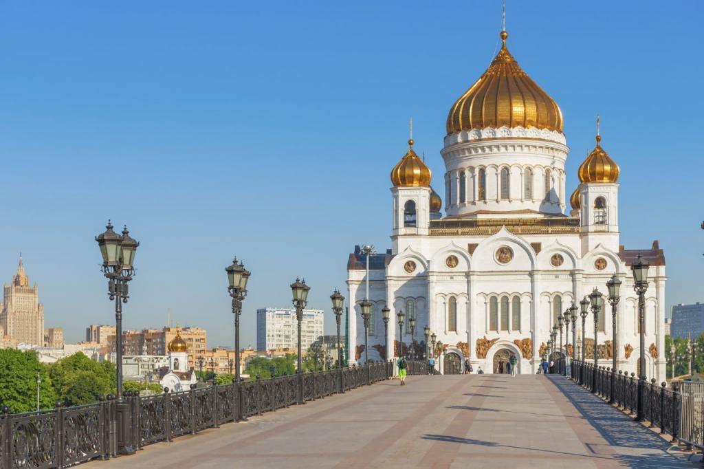 Куда сводить иностранца в Москве летом