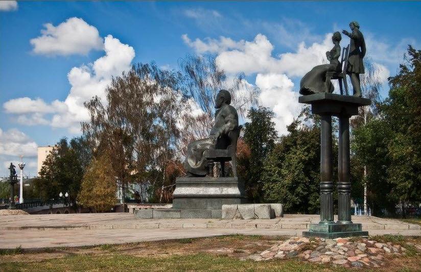 Памятник Н.С. Лескову