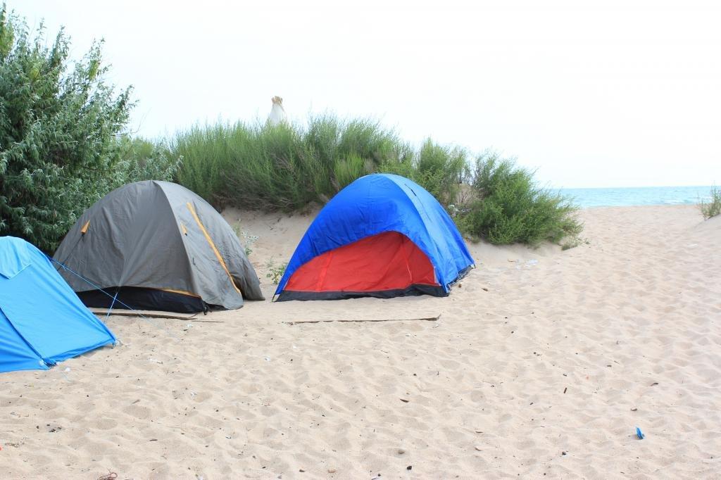 Палатки на море