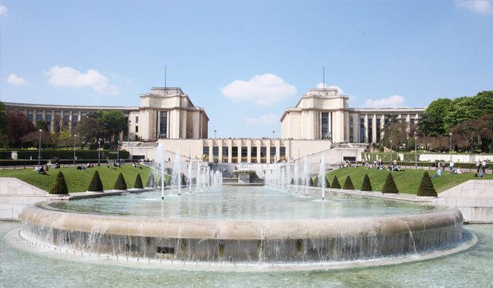 фонтан на площади Трокадеро
