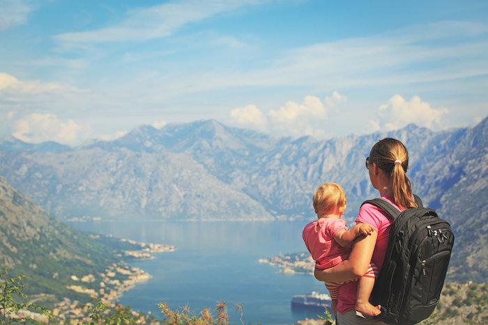куда можно съездить с годовалым ребенком в сентябре отдохнуть