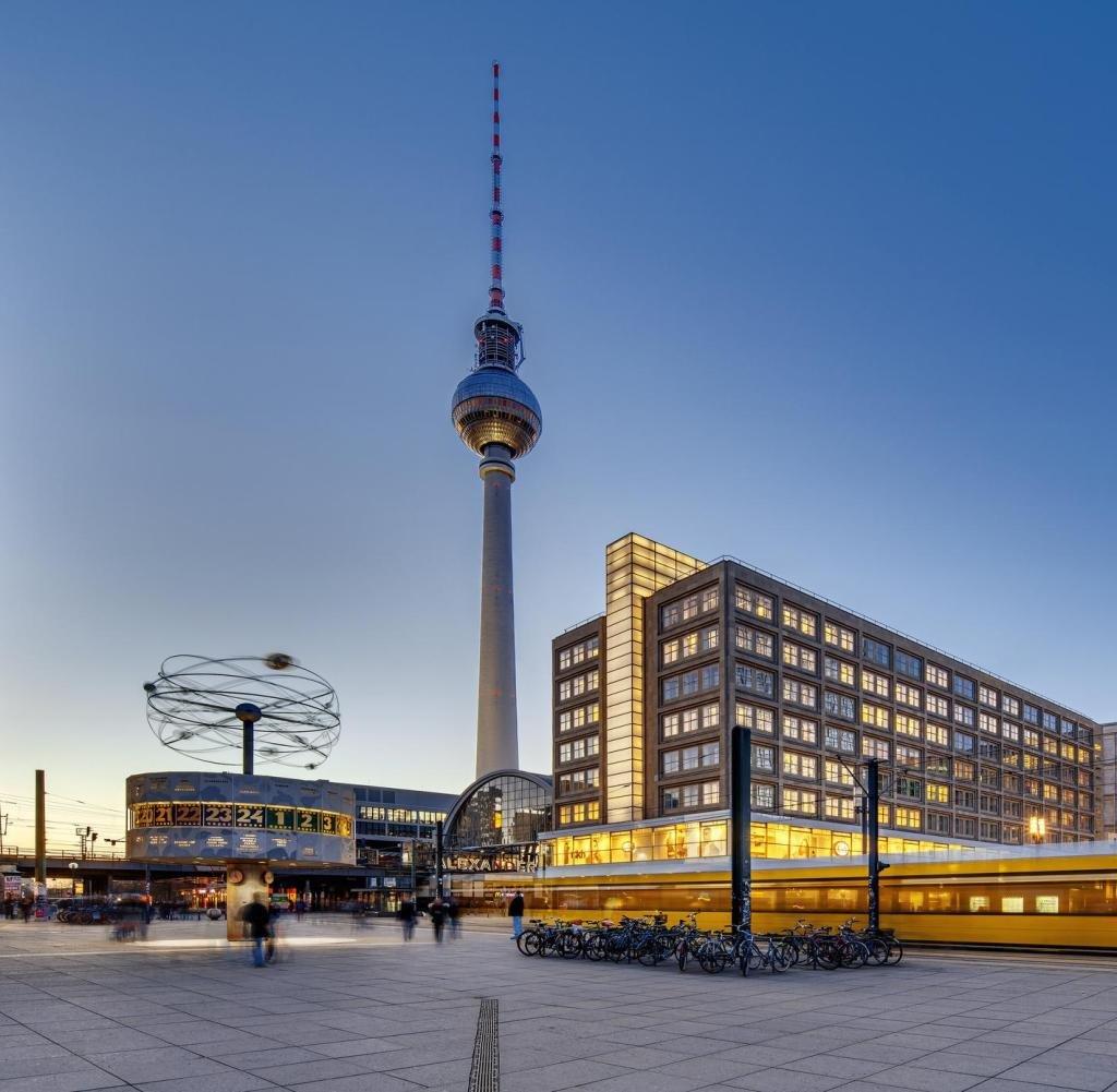 Александерплатц – бывшая главная площадь Восточного Берлина
