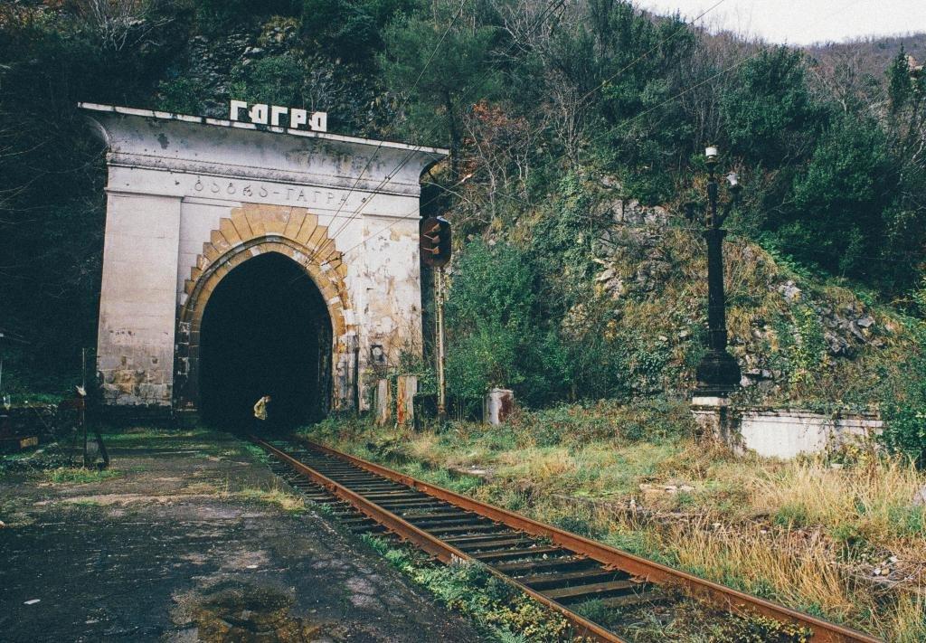 Железнодорожный тоннель в Гагре