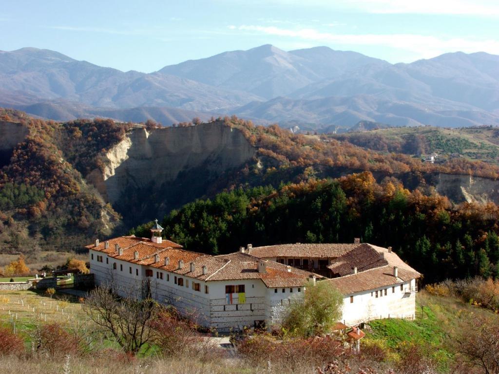 Монастырь Рожен