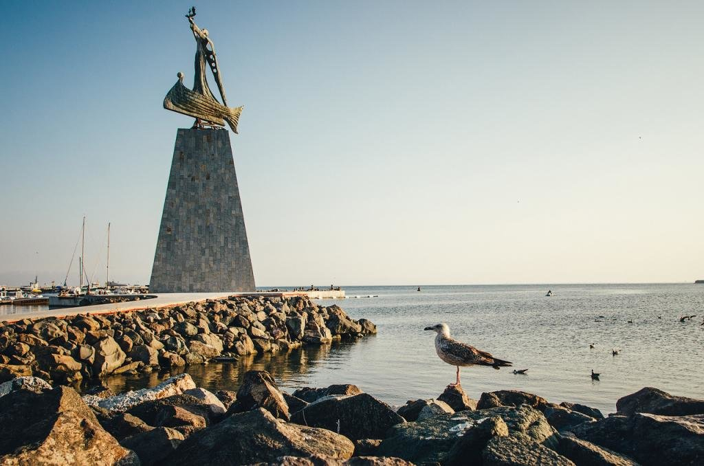 памятник Святому Николе