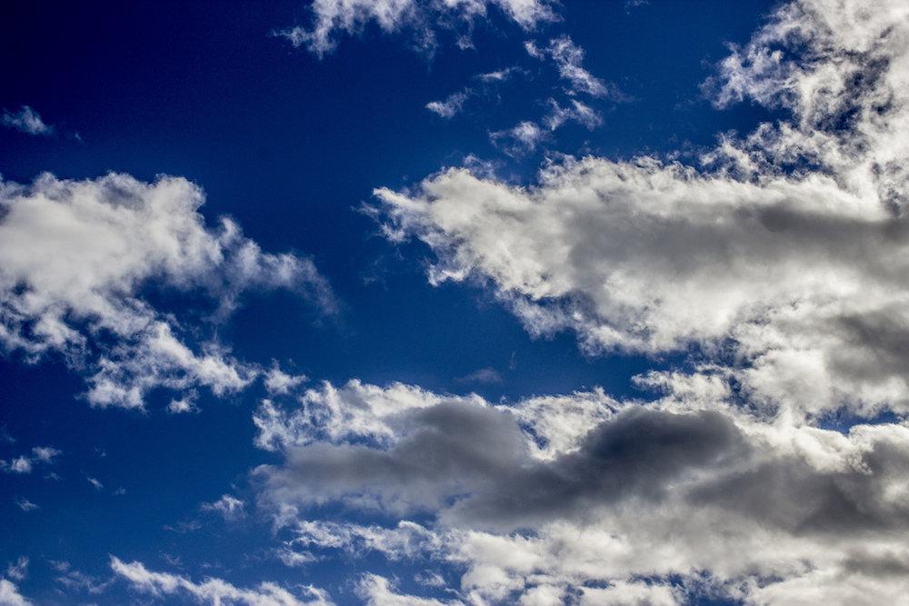 Облака образуются в результате