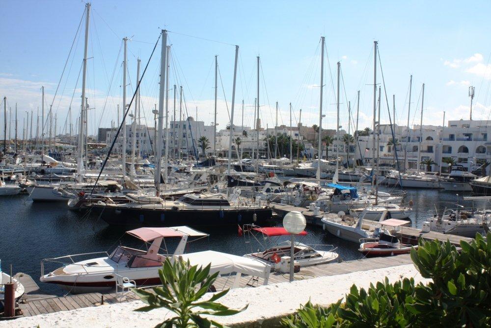 Порт в Монастире