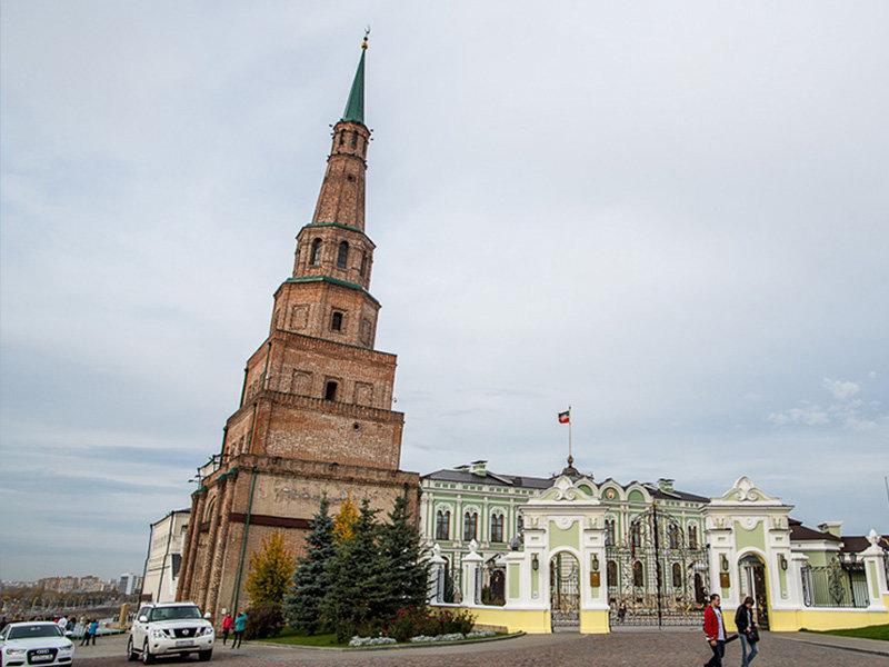 пизанская башня Казани