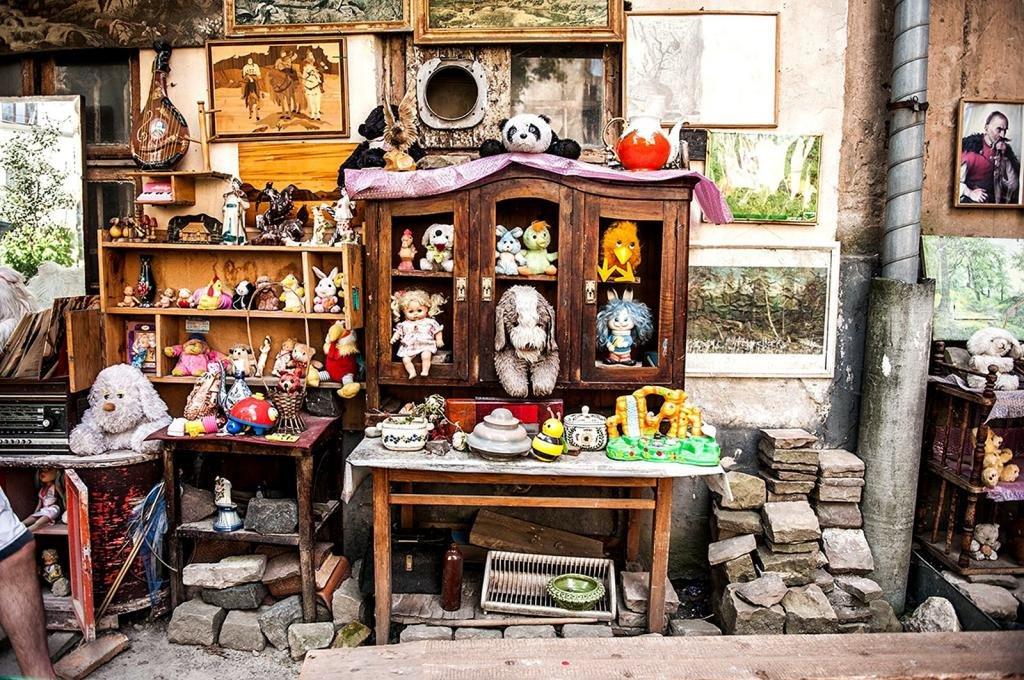двор потерянных игрушек