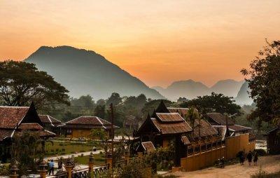 Где находится Лаос в Азии?