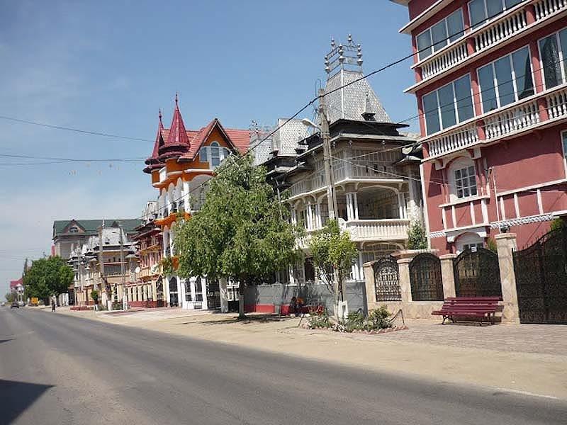 Румыния, цыганский город Бузеску