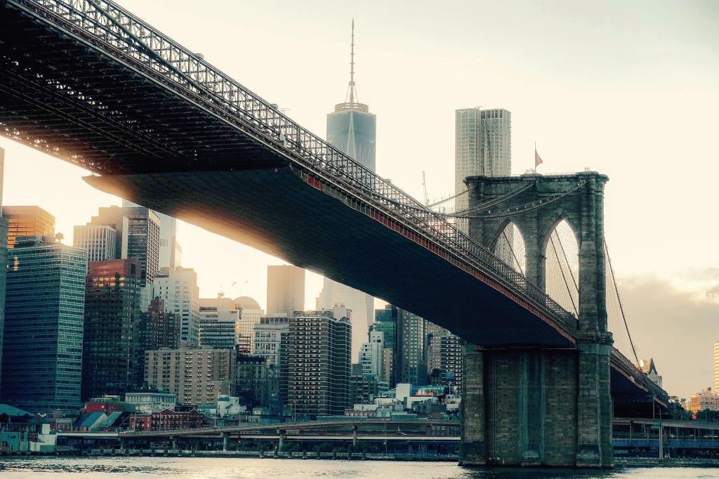 Где Бруклинский мост