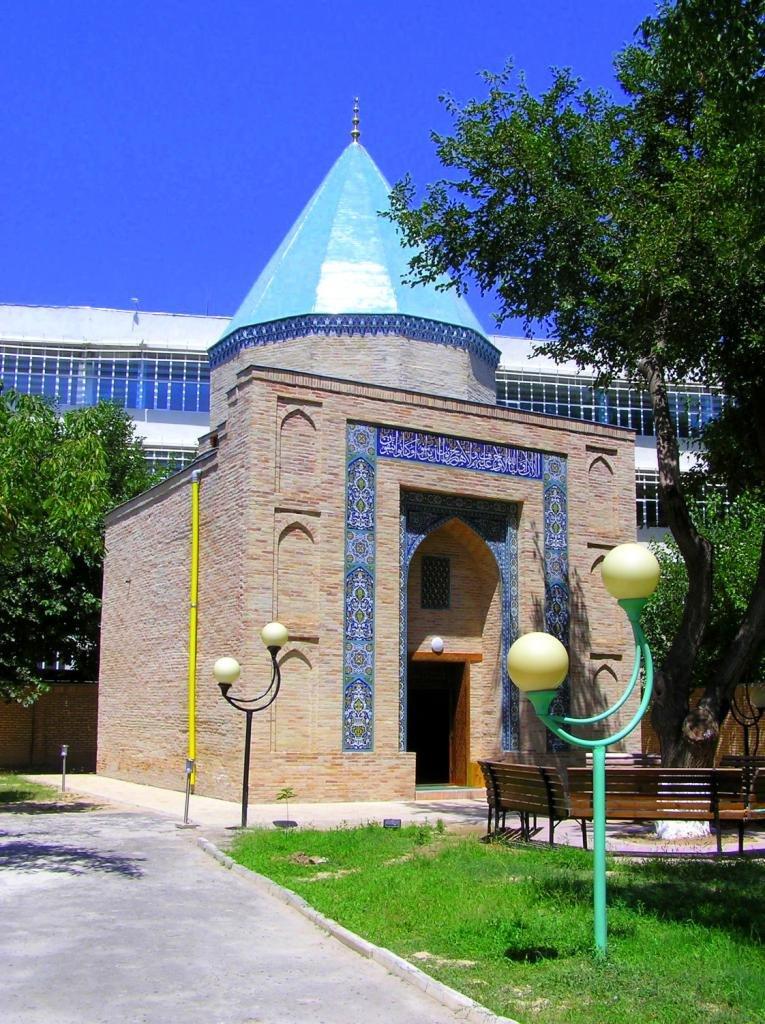 Древние мавзолеи Ташкента