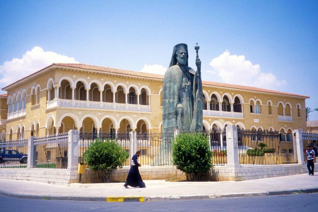 Дворец архиепископа на Кипре