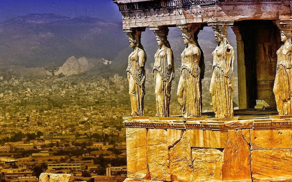 Древний храм Эрехтейон