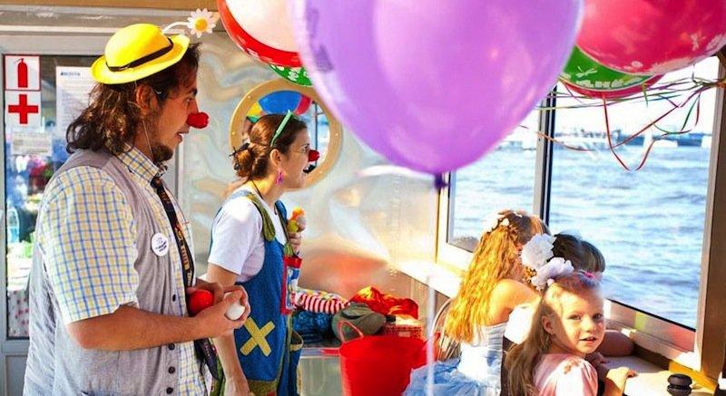 Аренда теплохода в Москве на День рождения