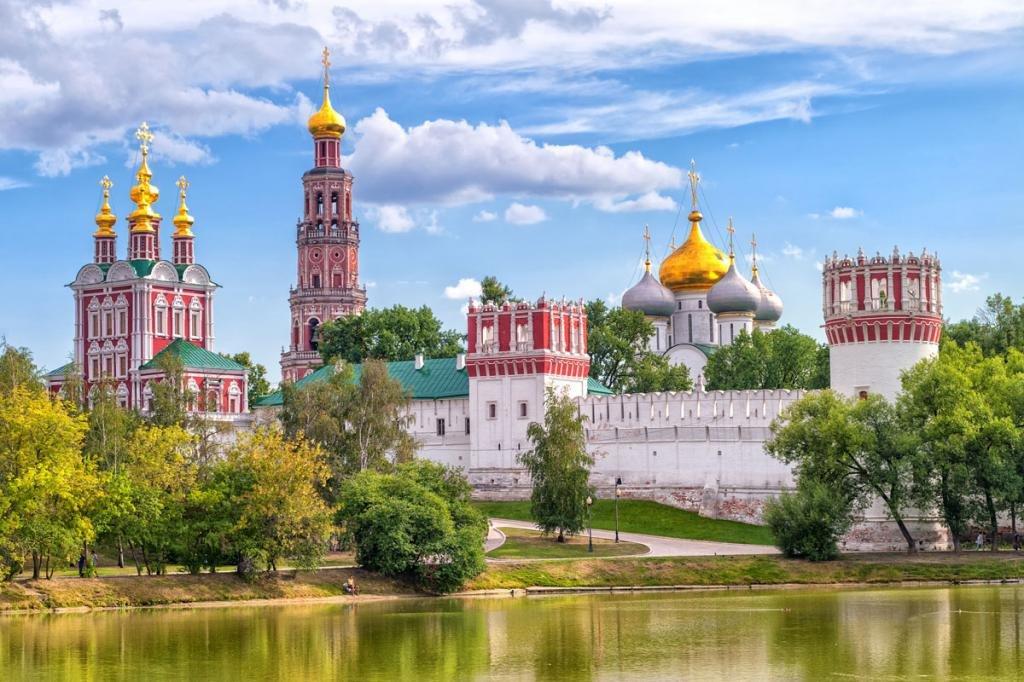 куда обязательно нужно сходить в москве