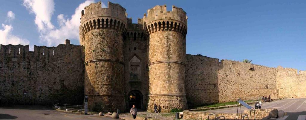 Крепостные стены Родоса
