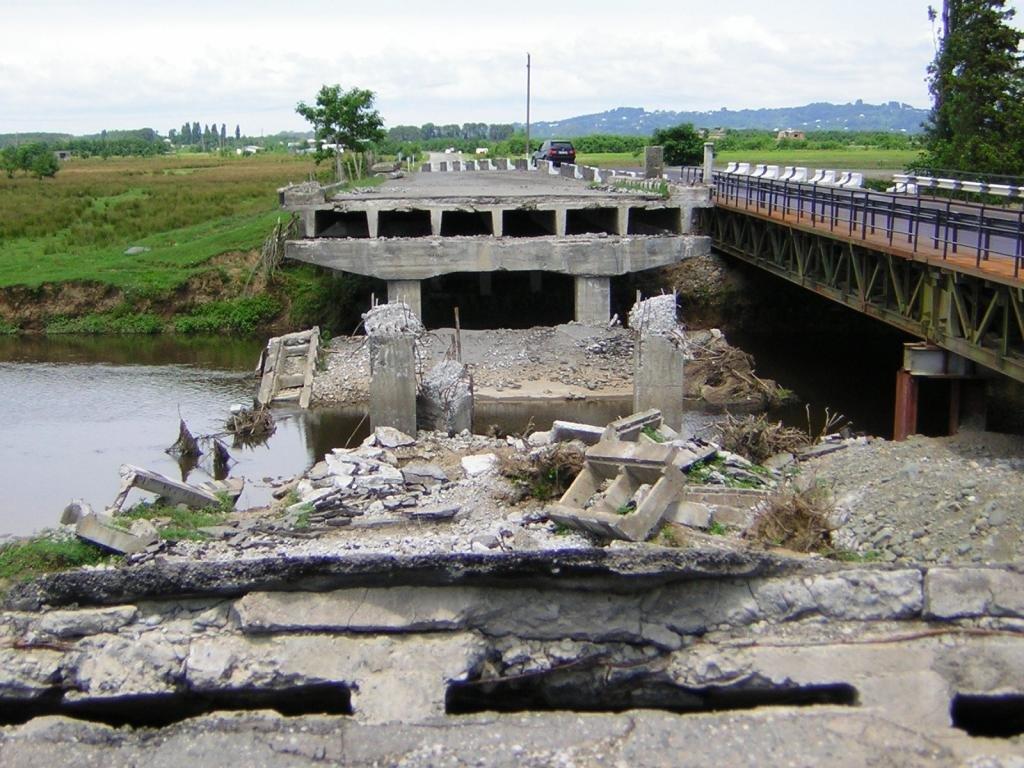 Мост на реке Чолоки