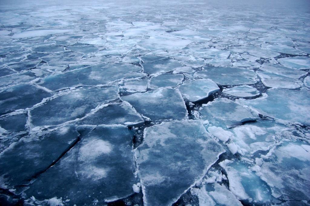 Раздробление покрова льда