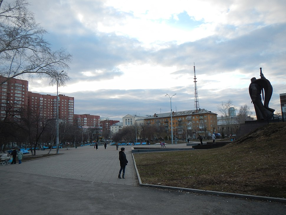 Площадь Обороны в Екатеринбурге: история, описание, достопримечательности